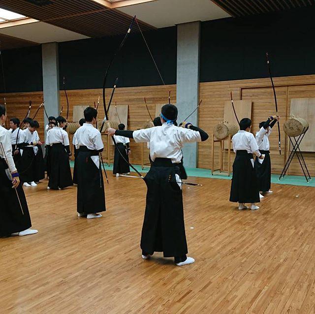 下関武道場で開催された錬成会に行って来ました!個別ブースを設け、ストレッチ指導などを行い沢山の学生が来てくれましたヽ(´▽`)/