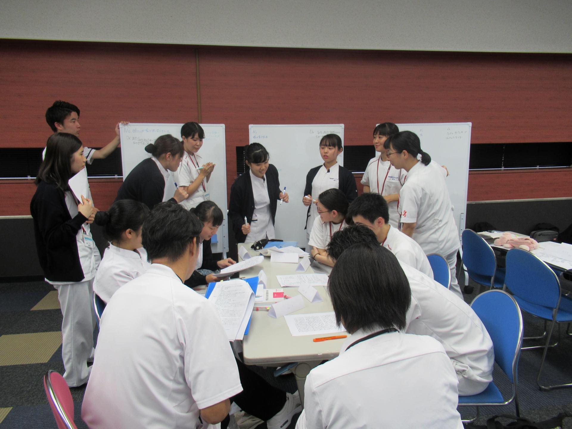 理学療法学科、看護学科と合同でIPEプロジェクト☆